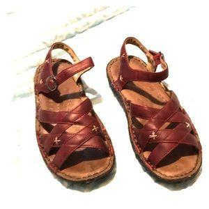 🌴 Keen Red Crisscross Sandals 🌴